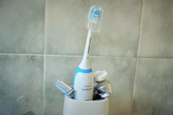 Brosse à dents électrique-Philips Sonicare