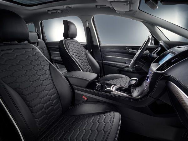 Cabine avant fauteuils en cuir du Ford S-Max Vignale