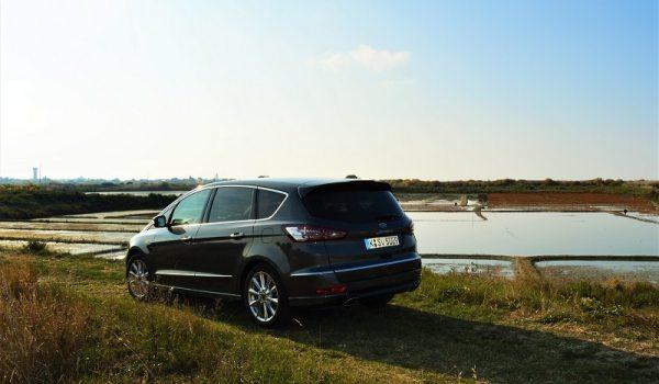 Ford SMAX Vignale dans les marais salants de Guérande