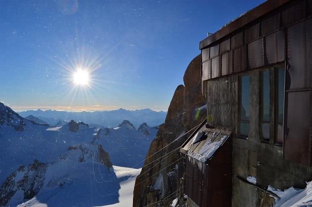 aiguille du midi à 3 842 mètres : une vue extraordinaire