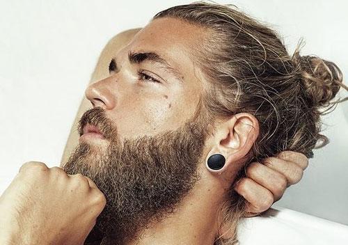 conseils pour hommes qui se laissent pousser les cheveux