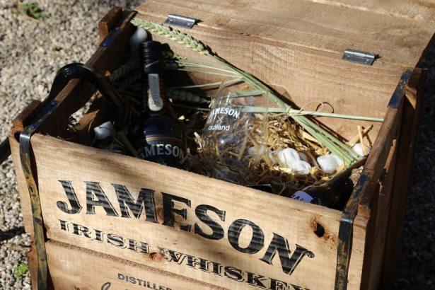 Entre bière et whiskey avec Jameson & Outland