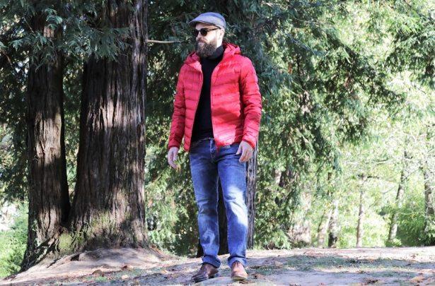 Look promenade dans les bois en doudoune histoire de signaler aux chasseurs que je ne suis pas un sanglier