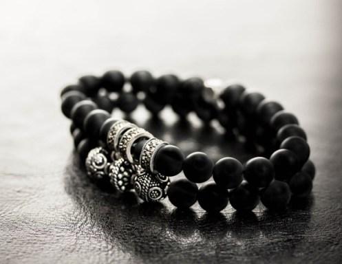 Association bracelet Vintage (ci-dessus) + bracelet homme Malt à 140€ avec 3 perles en Argent noirci 925 sertis de Marcassite