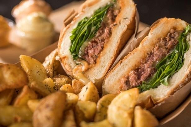 restaurant-canard-street-burger-magret