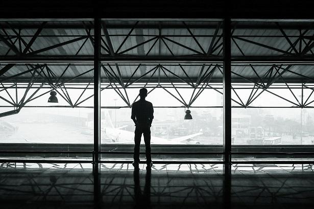 que-faire-vol-annulé-retardé-aéroport-615x409