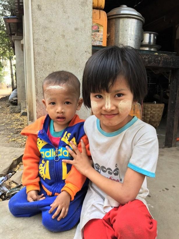 Enfants du Village de Pakkoku, Birmanie