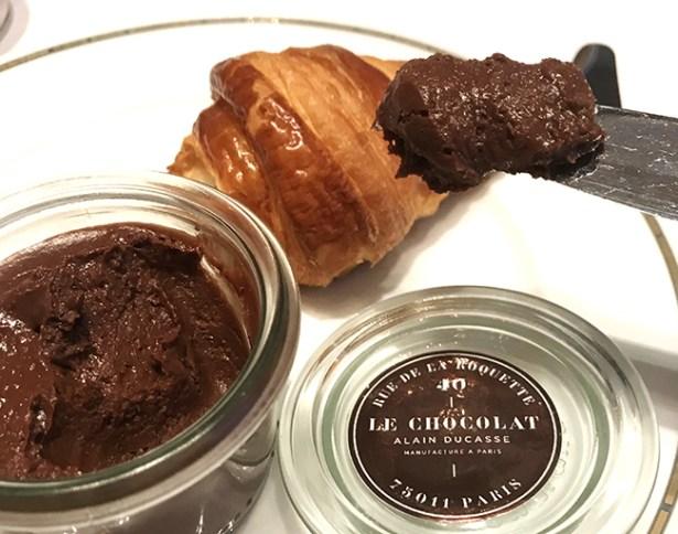brunch-haute-couture-plaza-athenee-croissants