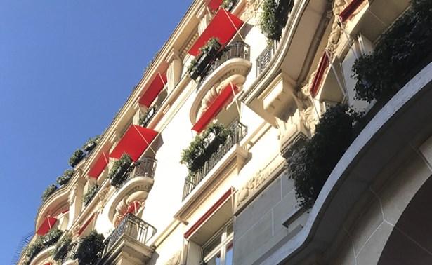 palace-plaza-athenee-brunch-paris-devanture