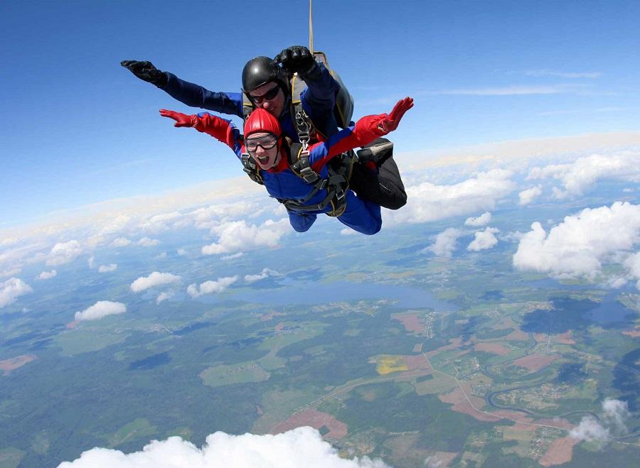 Saut en parachute : une bonne idée cadeau