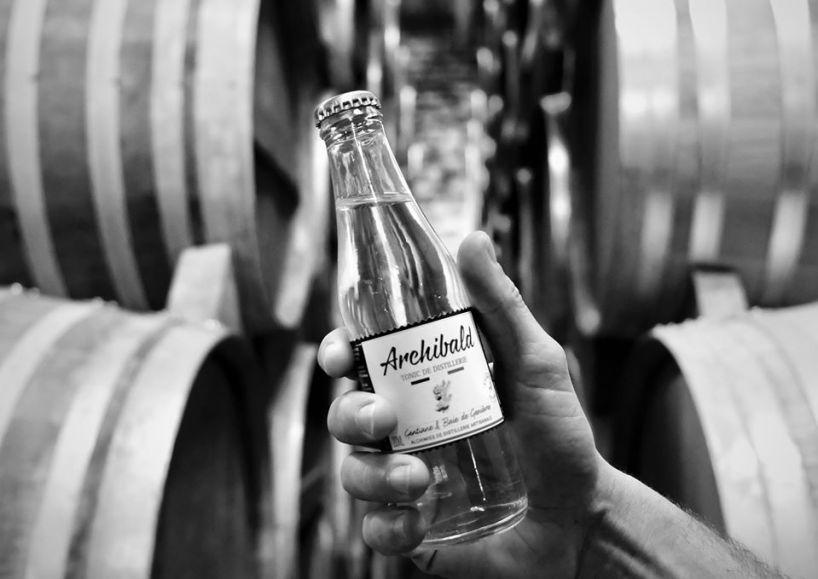 Alchimies de distillerie artisanale. Les arômes uniques et la finesse des bulles d'Archibald sont le fruit d'un vrai travail de distillateur
