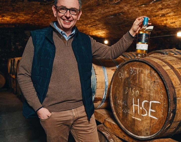 M. Grallet-Dupic propriétaires-récoltants et distillateur du whisky Rozelieures au cœur du petit village lorrain de Rozelieures