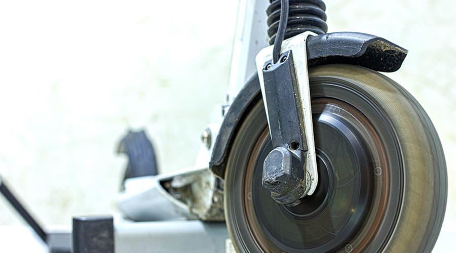 Sécurité en trottinette : inspectez régulièrement l'état de votre machine