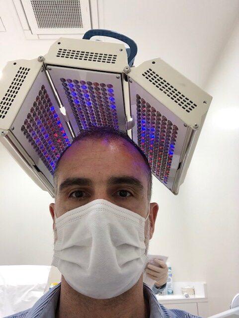 Séance de luminothérapie LED pour parfaire le soin de PRP.