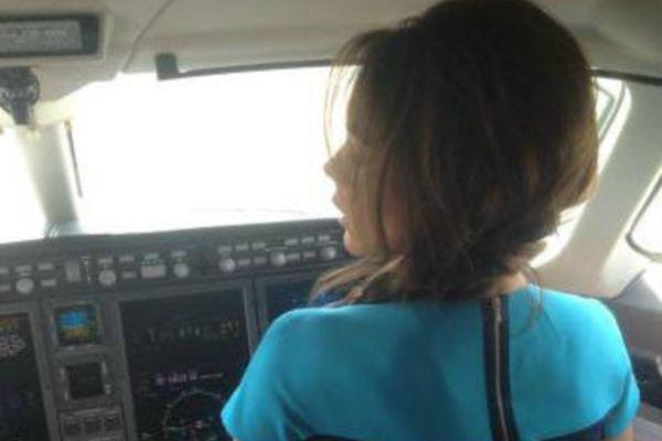 Victoria Bekham flying a jet