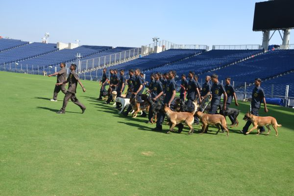 23-dogs guarded India-Sri Lanka match