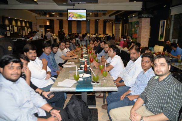 Zameen.com held its annual iftar-dinner with reputable bloggers and social media experts of lahore