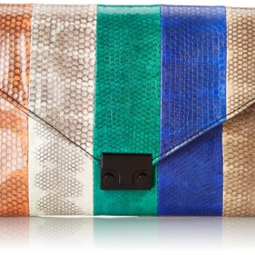 Must-Have clutches & purses to accessorize your outfit this season