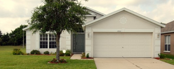 4 Bed/2 Bath in Brandon, Florida: Priced to Sell & Not a Short Sale!