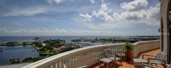 Beach Drive Penthouse Offers 5,000+ Sq Ft: 288 Beach Drive NE #PH-1A