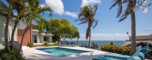 Stunning St. Petersburg Waterfront Home for Sale