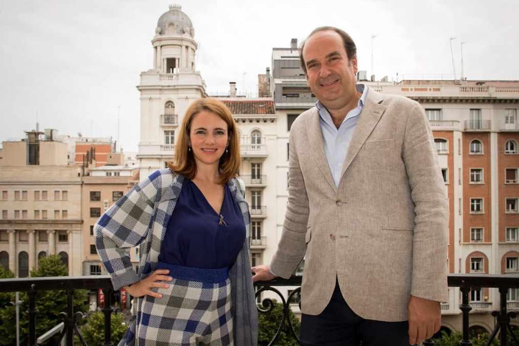 Alicia Asín CEO de Libelium con Alfonso De León de Axon Group Partners
