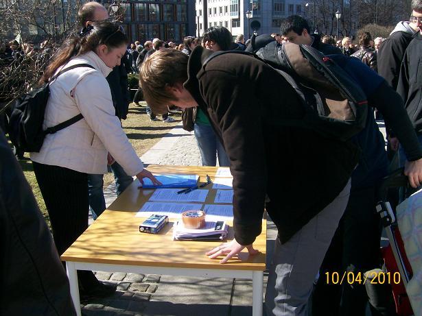 Mange ville signere Folkets høringsuttalelse