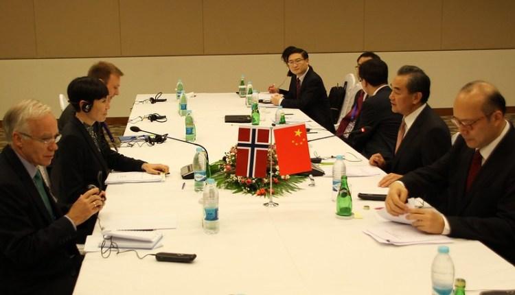 Utenriksminister Eriksen Søreide møter Kinas utenriksminister Wang Yi i marginen av ASEM-møtet i Naypyitaw i Myanmar