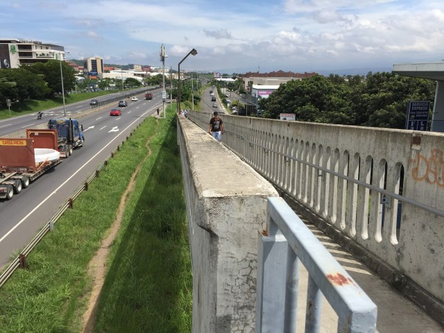 San José, Costa Rica. Pedestrian bridge.