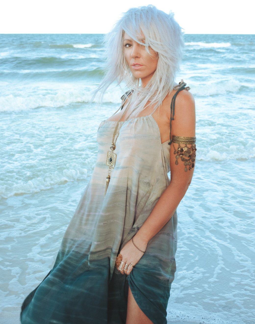liberata dolce lorraine castle prolific quarterly bohemian fashion style beach boho editorial fall winter 2016 blog blogger ethereal beach photoshoot