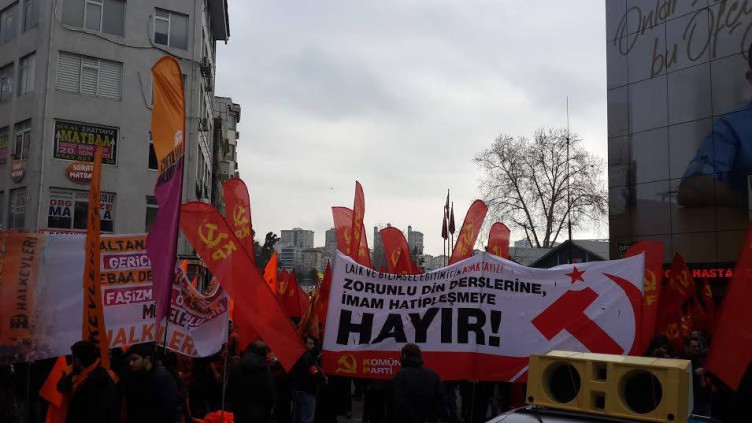 Tens of thousands march in Turkey for secular public education