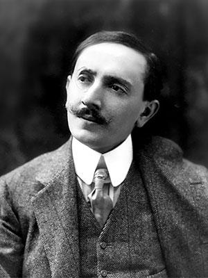 Lucio D'Ambra, pseudonimo di Renato Eduardo Manganella