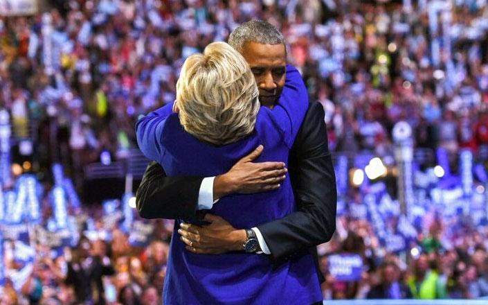 Barack Obama e Hillary Clinton, Filadelfia - foto tratta dal profilo twitter di Hillary