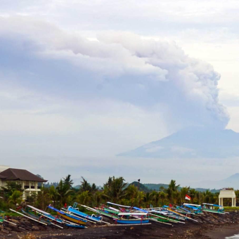 vulcano-agung3