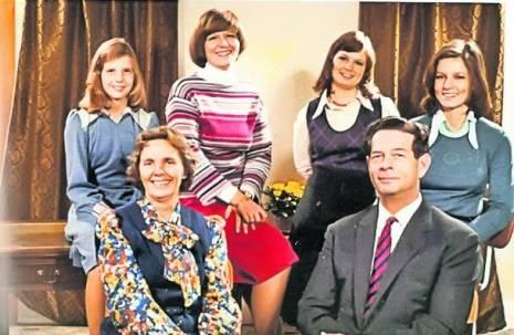 Regina Ana și Regele Mihai, alături de patru dintre fiice
