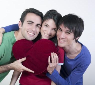 coeur trio de jeunes gens - © laurent hamels - Fotolia.com