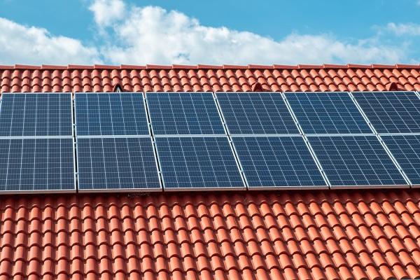 Sistema de energia solar valoriza imóvel
