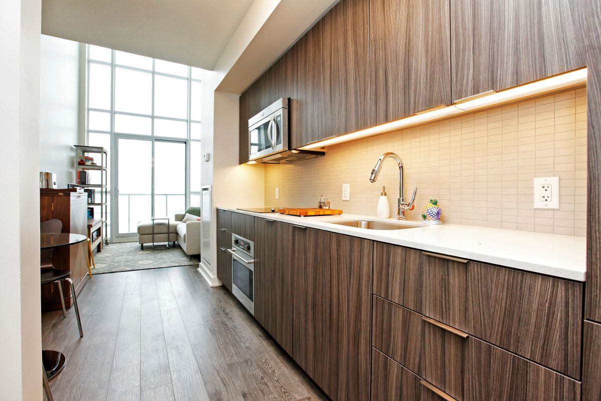 JUST SOLD OVER ASKING PRICE 1 bedroom loft suite at 5 Hanna Ave 715  LIBERTY VILLAGE CONDO