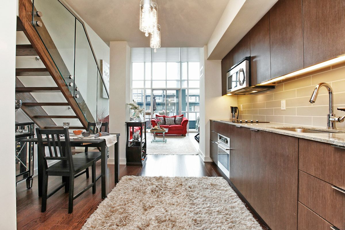 JUST SOLD 2 storey 1 bedroom loft suite at 5 Hanna Ave 325  LIBERTY VILLAGE CONDO