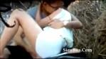 Tinira ang seksing GF sa date nila sa park