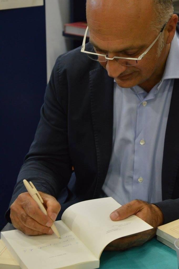 Javad Djavahéry signature