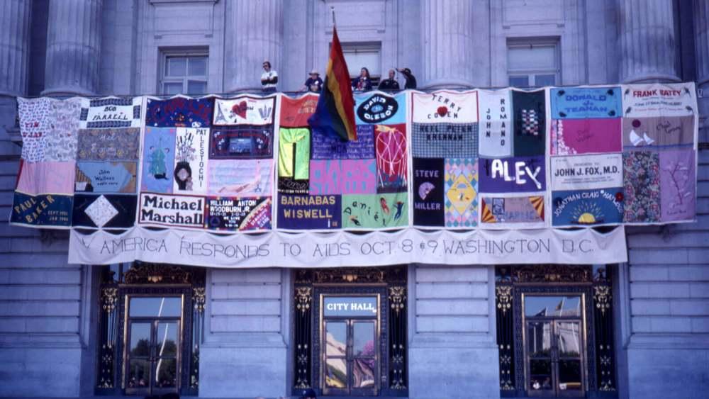 aids city hall 1600