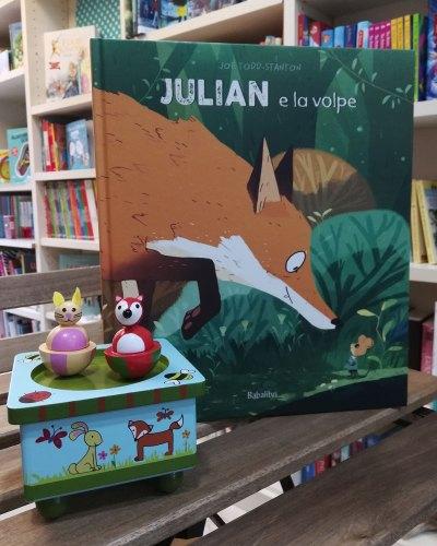 """""""Julian e la volpe"""", di Joe Todd-Stanton, esposto alla libreria Essai di Torino"""