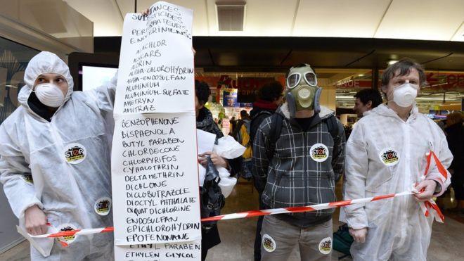 Activistas contra los EDCs. Fuente BBC, Getty Images