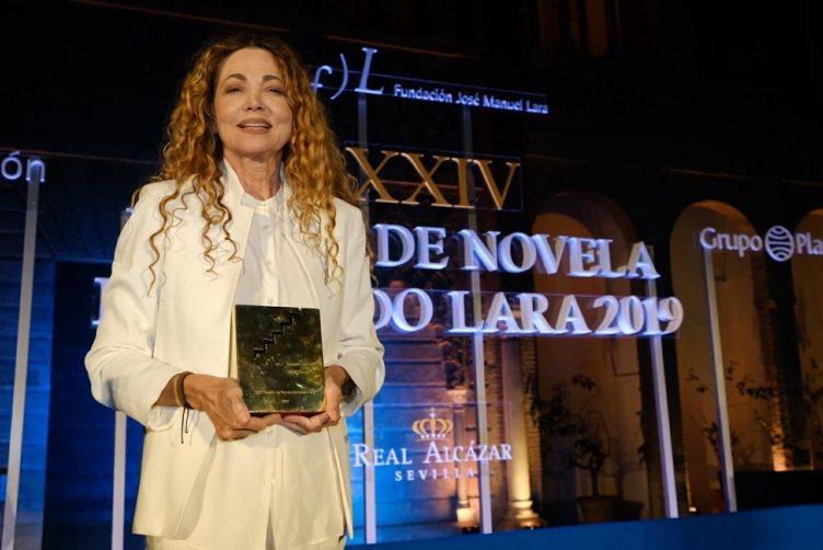 Ángela Becerra, Premio de Novela Fernando Lara
