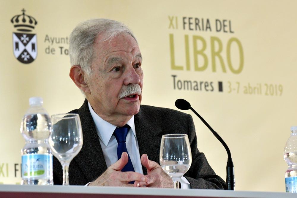 """Eduardo Mendoza: """"La literatura es una razón para vivir"""""""