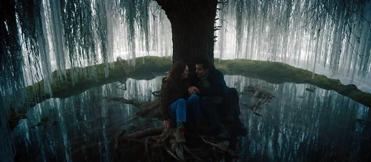 Julianne Moore y Clive Owen en una secuencia de 'La historia de Lisey'
