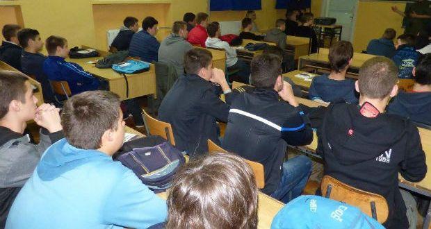 srednjoskolci-skola