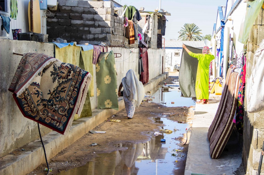 Blankets and mattresses being dried out in the sun (Photo: Ibrahim El Mayat)