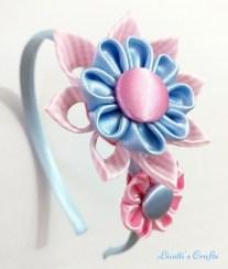 Diadema kanzashi doble flor celeste
